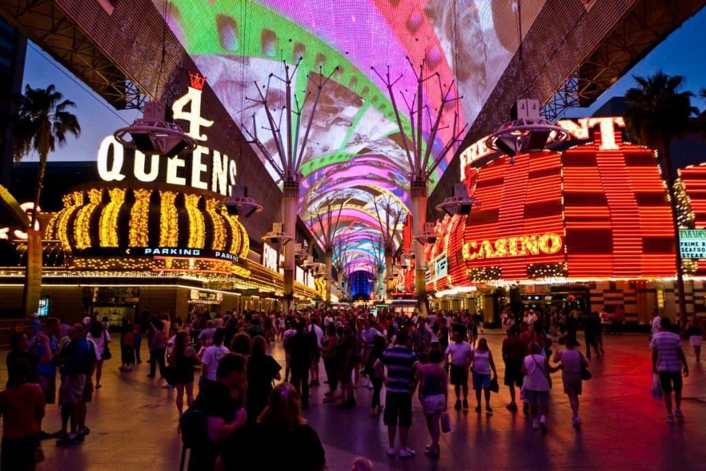 Fremont Street Experience em Las Vegas: A Velha Downtown