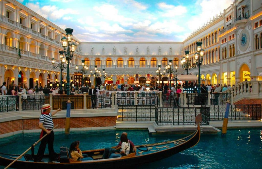 Shopping The Grand Canal Shoppes At The Venetian