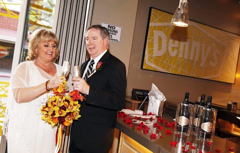 Casamentos no restaurante Denny's em Las Vegas