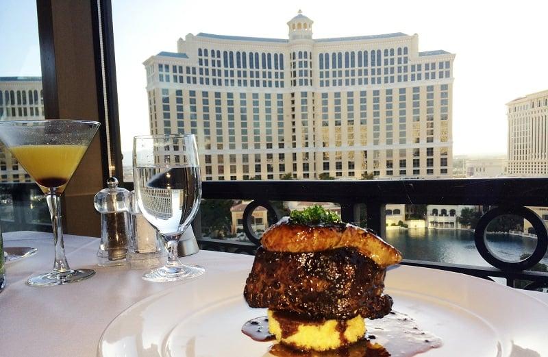 Sobre o restaurante na Torre Eiffel em Las Vegas