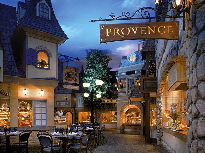 Paris – Le Village