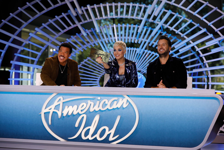Participar na plateia de séries e shows em Los Angeles na Califórnia: American idol