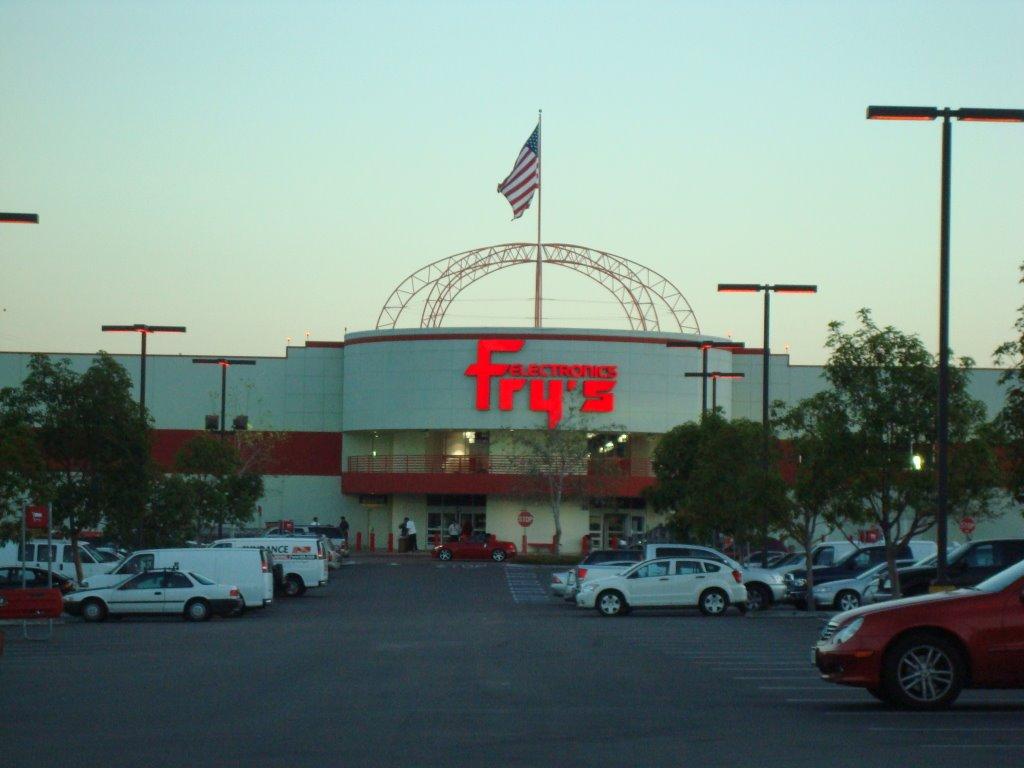 Fry's em San Diego