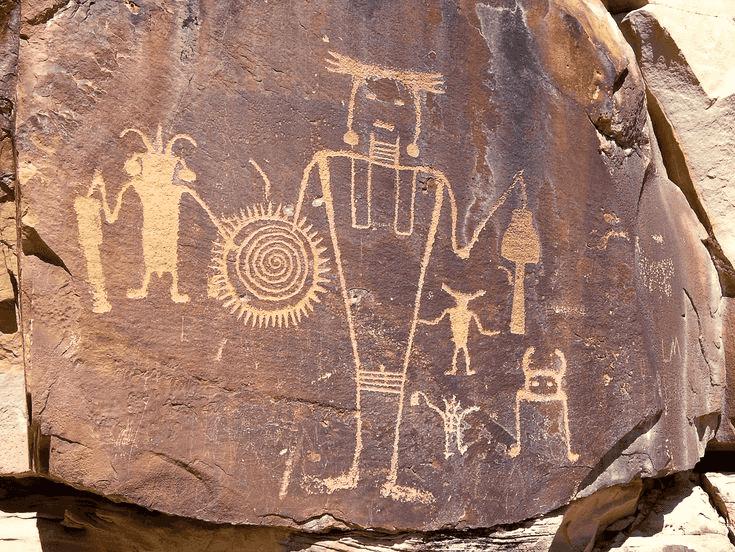Petróglifos e Pictografias no Red Rock Canyon