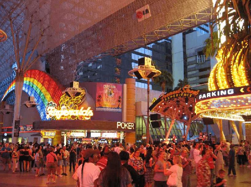 10 lugares para comer e se divertir com economia no centro de Las Vegas