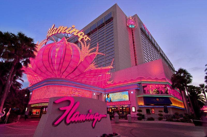 1946: Inauguração do Hotel e Cassino Flamingo em Las Vegas