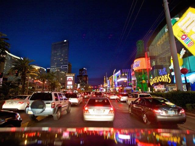 Como dirigir em Las Vegas e leis de trânsito
