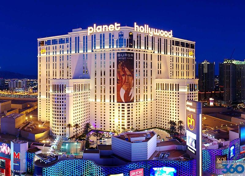 Hotel Planet Hollywood celebra 10 anos em Las Vegas