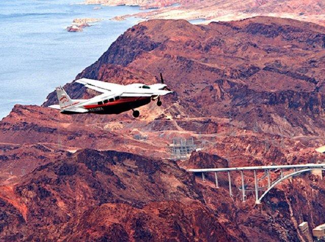 Excursão aérea visionária pelo Grand Canyon